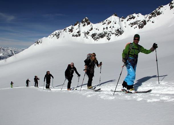 Orelle Val Thorens med en bergsguide.
